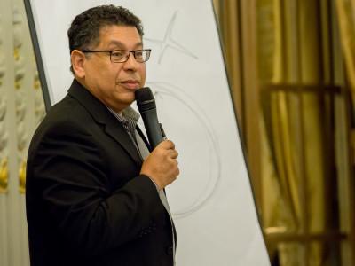 """Dr. Menis Yousry:  """"Ideile pe care le avem despre noi înșine vin din experiență, așa încât, trebuie să avem noi experiențe pentru a avea noi convingeri"""" (I)"""
